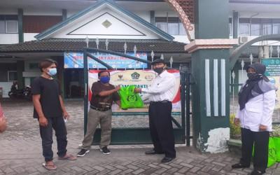 MTs Negeri 1 Yogyakarta Distribusikan Paket Baksos ASN Kemenag