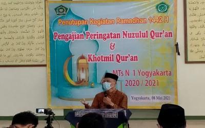 Tutup Kegiatan Ramadan, MTsN 1 Yogyakarta Gelar Majlis Pengajian Nuzulul Quran